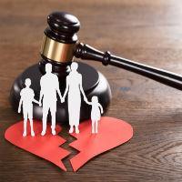 Что входит в права матери и отца