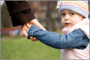 Допускается ли посредническая деятельность по усыновлению детей?