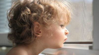 Опека над ребенком при живых родителях
