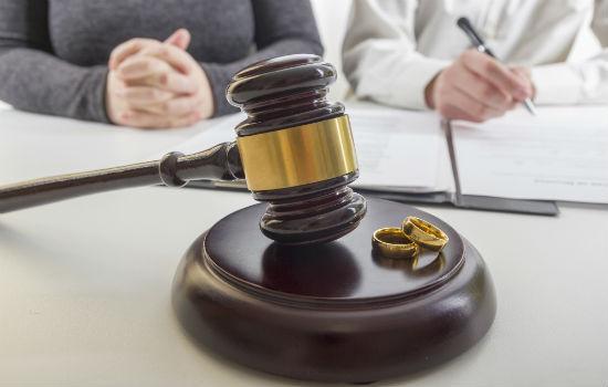 Процедура развода при отсутствии одной из сторон в суде