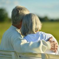 Кому положена прибавка к пенсии после 80 лет