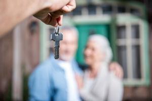 Может ли пенсионер оформить ипотеку