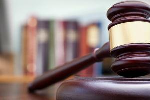 Если сосед не признает ваших требований необходимо обращаться в суд